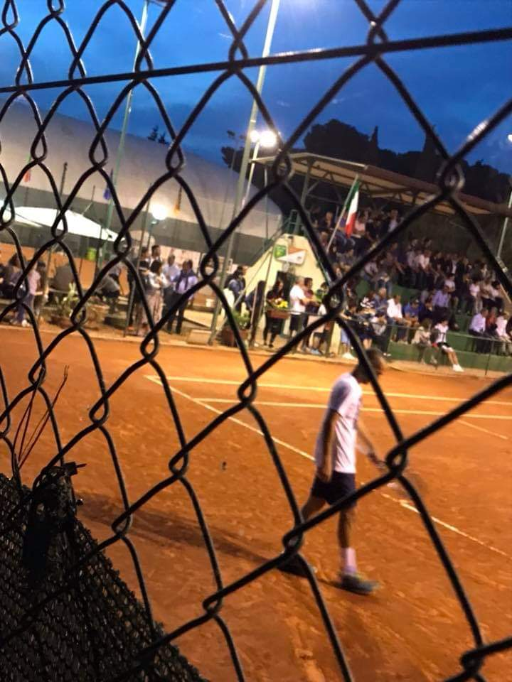 ganzjährig bespielbarer Sandplatz Tennis